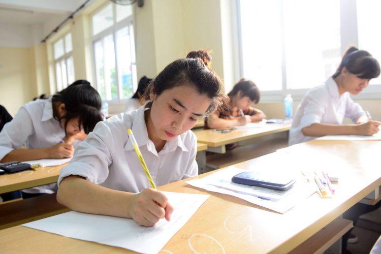 Làm bài thi THPT quốc gia 2018