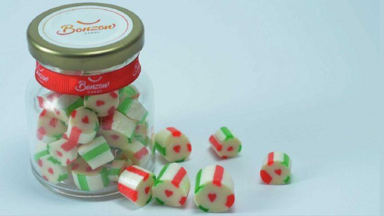 Hũ kẹo yêu thương